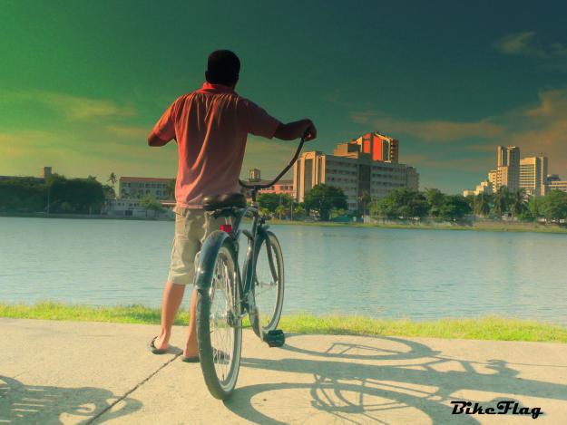 Las bicicletas se ponen de moda para recorrer el centro de Cartagena
