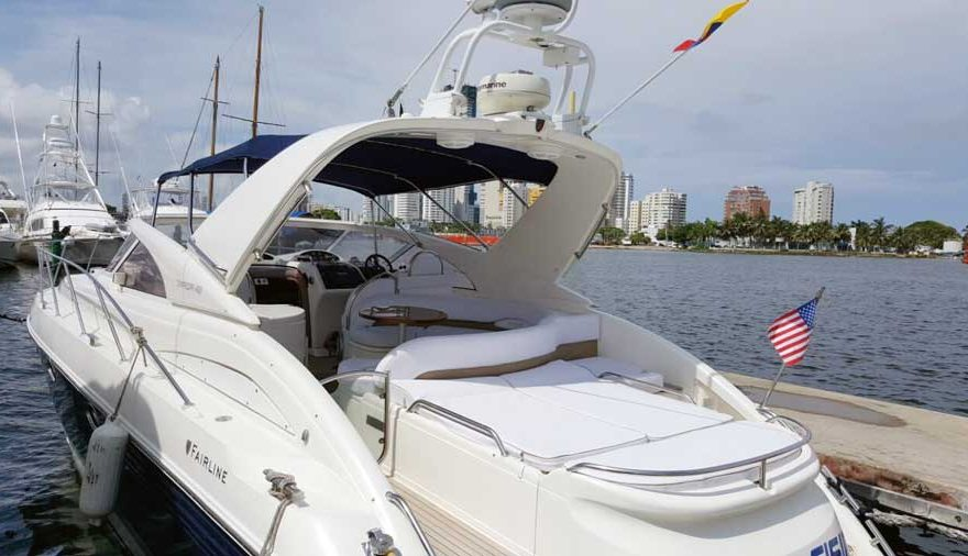 Vista Parte trasera yate en Cartagena Colombia