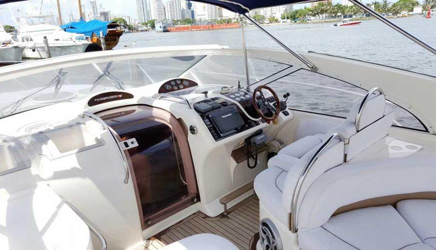 Cista Cabina Piloto Yate de lujo en Cartagena