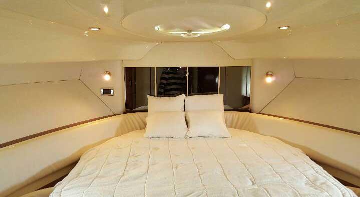 Cabina Interior de yate de lujo en Colombia