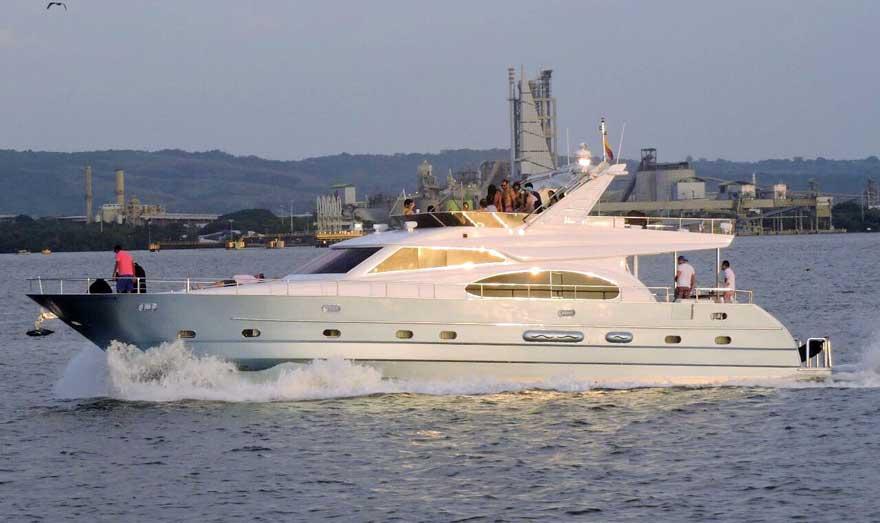 YAte de lujo Cartagena de Indias