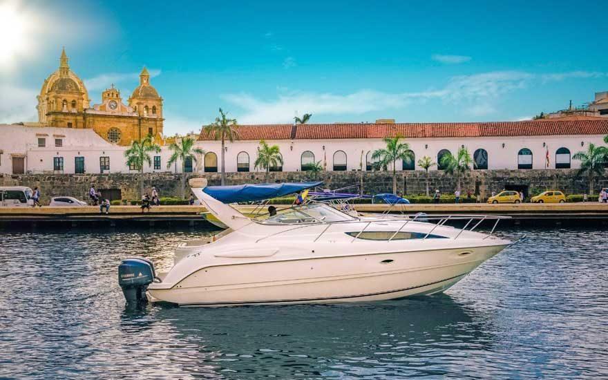 Yate en Cartagena de Indias