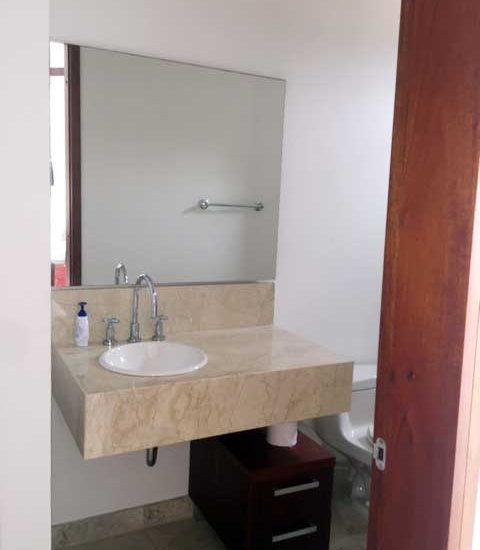 Alquiler Casa del Virrey Eslava | Baño auxiliar