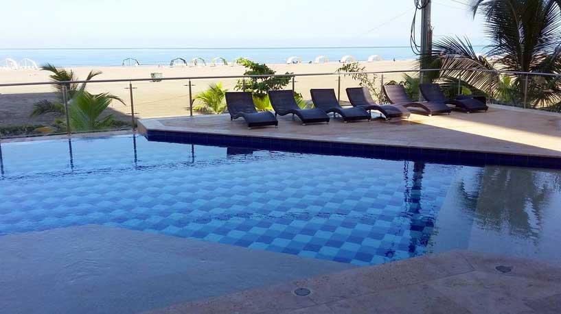 Vista sillas piscina Portovento Cartagena