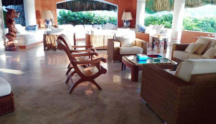 Comedor con Vista al Mar en Isla Cholón