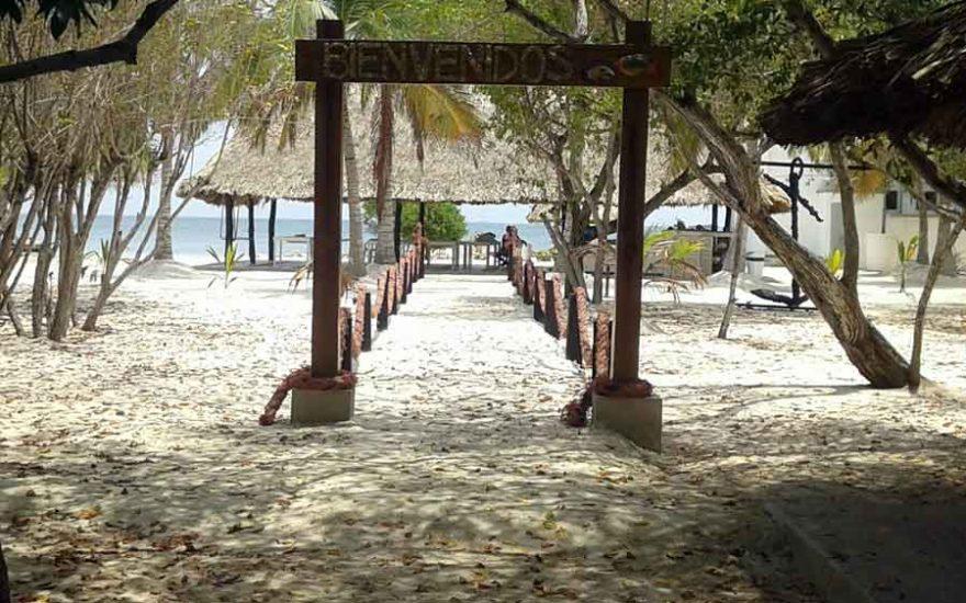 Entrada Isla San Bernardo Colombia