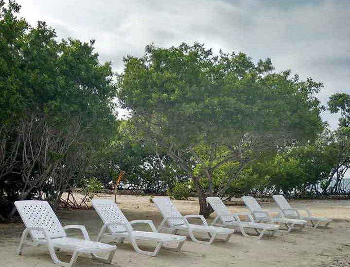 Playa en el archipielago de San Bernardo en Colombia