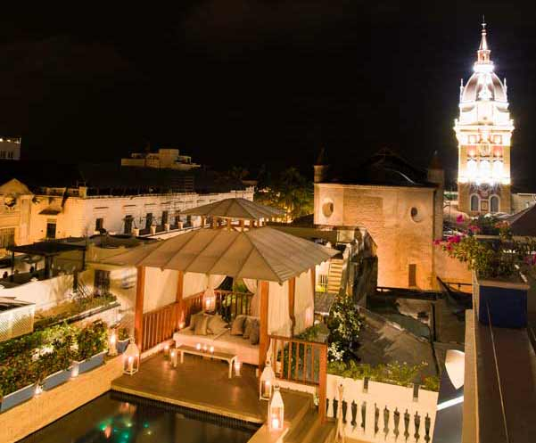 Vista nocturna de Cartagena de Indias