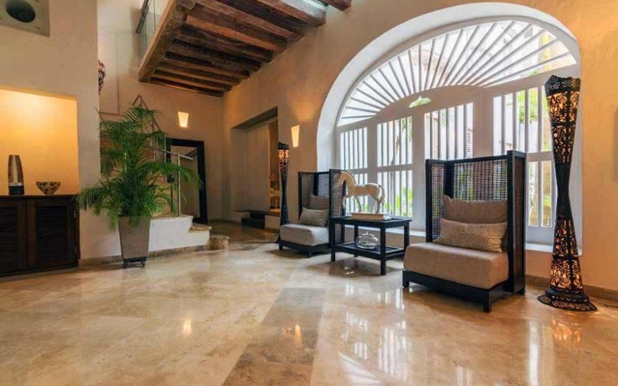 Lobby de casa de lujo en cartagena