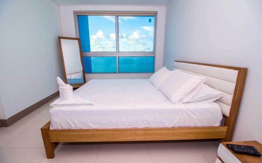 Vista Habitación y ventana de apartamento en Palmetto Beach Cartagena