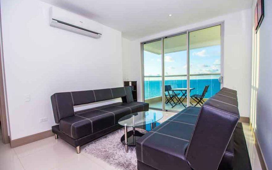 Vista Sofa y aire acondicionado apto Palmetto Beach Cartagena