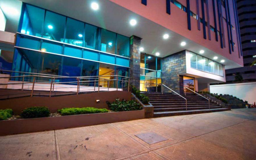 Fachada Edificio Palmetto Beach Cartagena de Indias