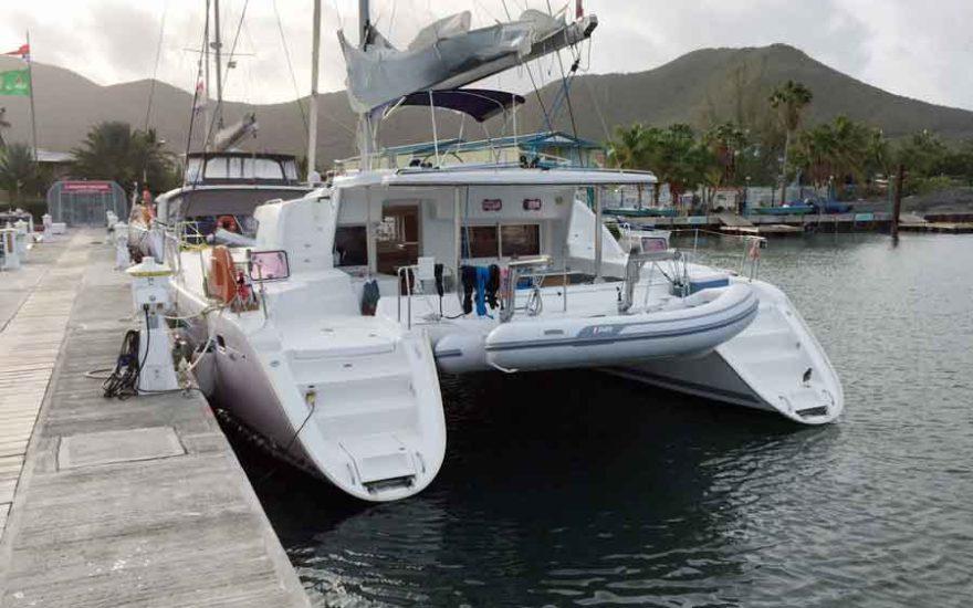 Vista posterior Catamaran en Cartagena Colombia