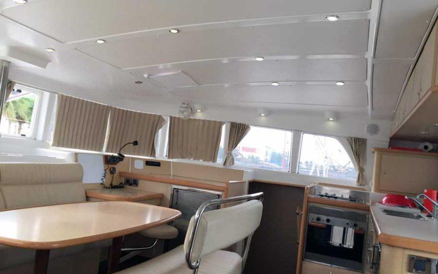 Salon principal Catamaran en Cartagena