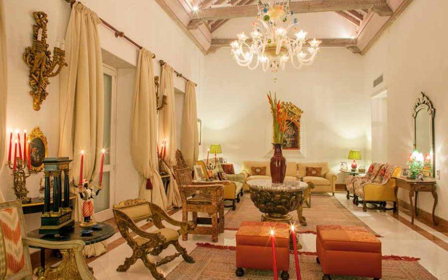 Jacuzzi en terraza mansión lujo Cartagena