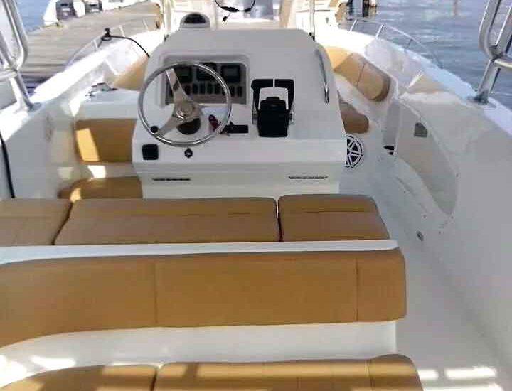 Luxury motor boat in Cartagena Colombia