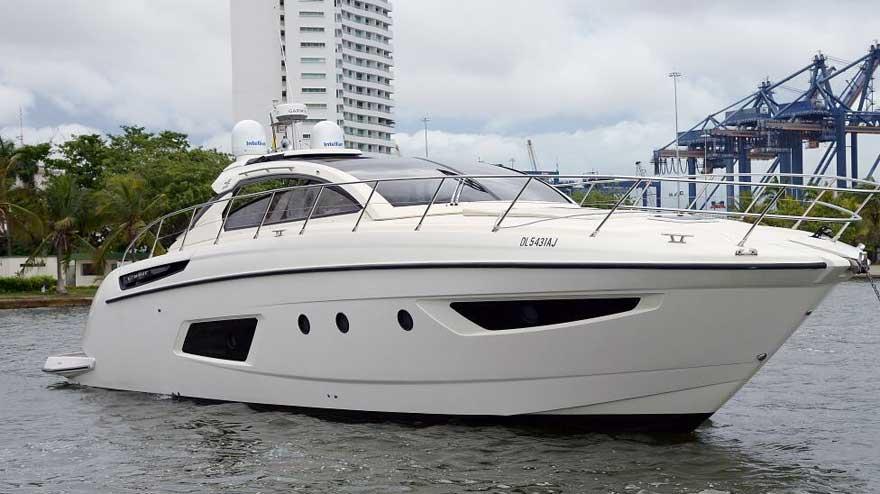 Yacht Azimut 017