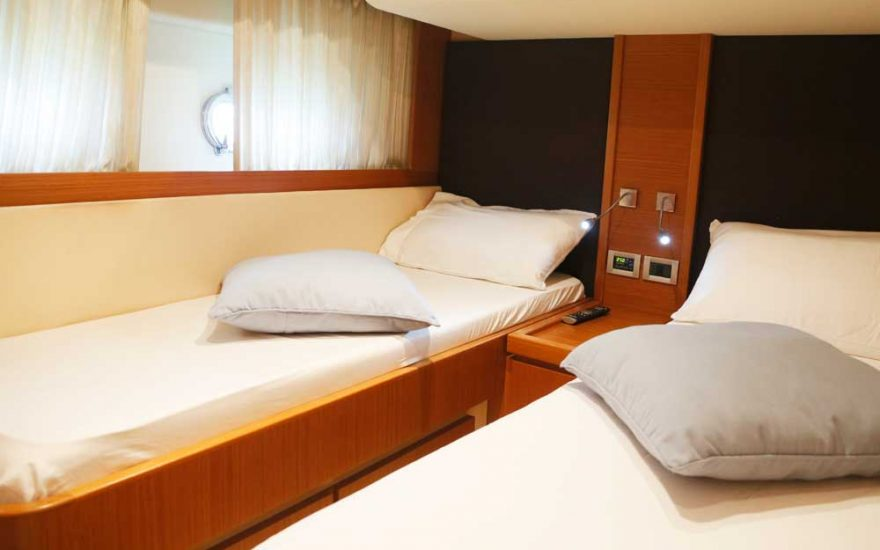 Yacht Ferretti Cartagena 012