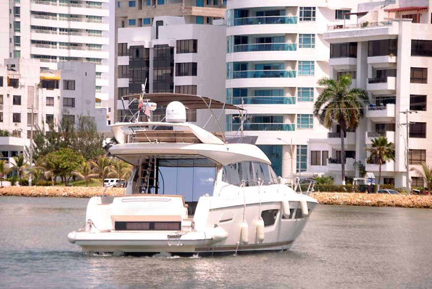 Luxury Yacht Colombia