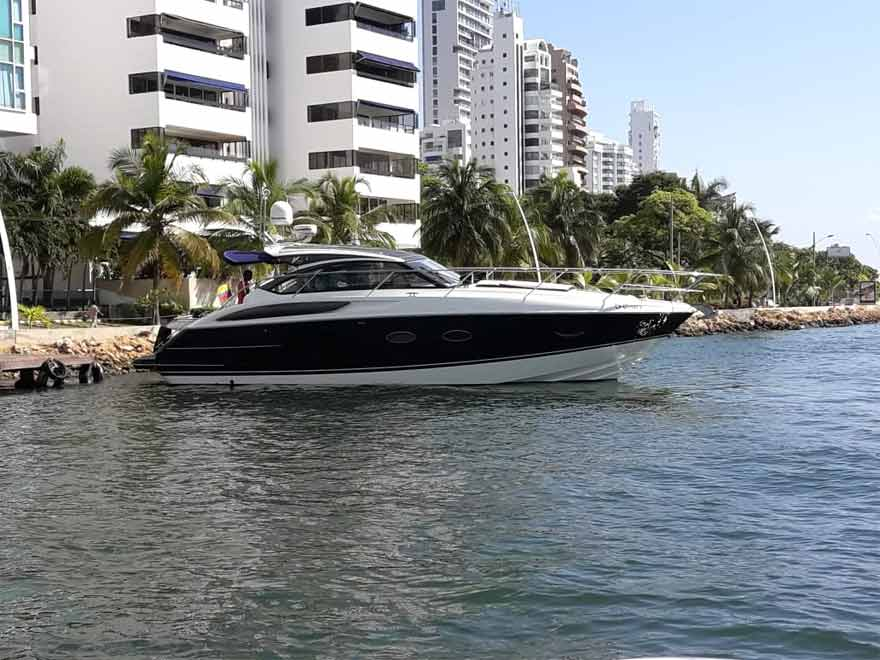 Yacht Princess V40