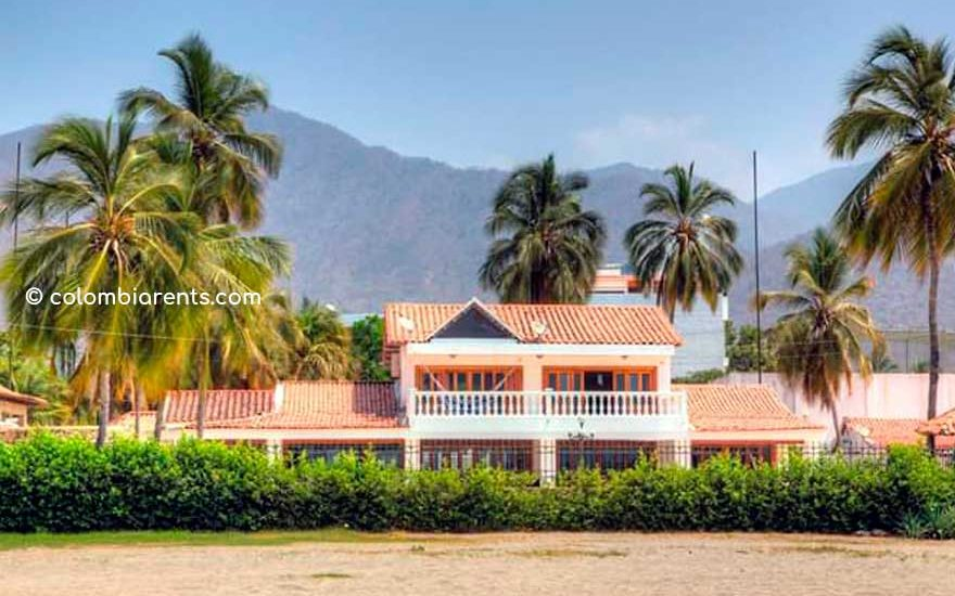 Casa Santa Marta frente a la Playa